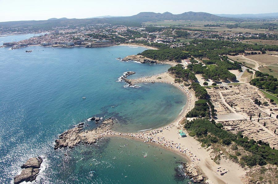 Funtastic active holidays water sports in the costa brava of spain - Grop l escala ...